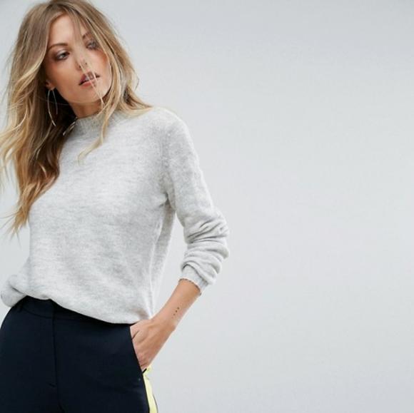 2/$25 light heather grey knit sweater XS